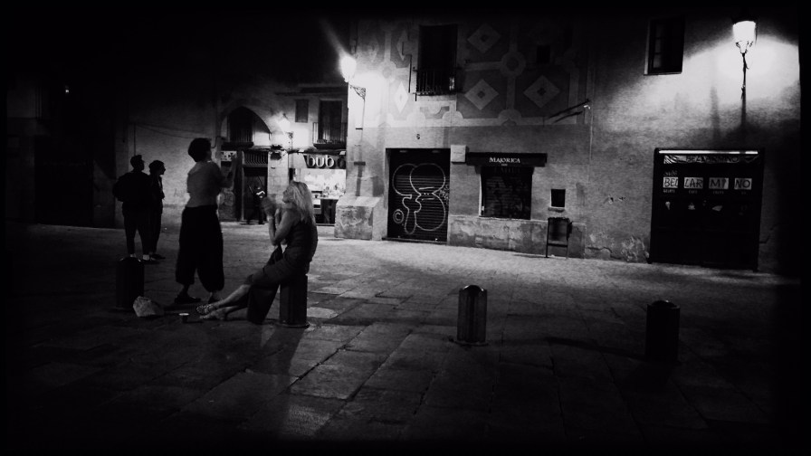 Barcelona in Schwarzweiß Reiseblog Im Schatten des Windes Boarding Completed26