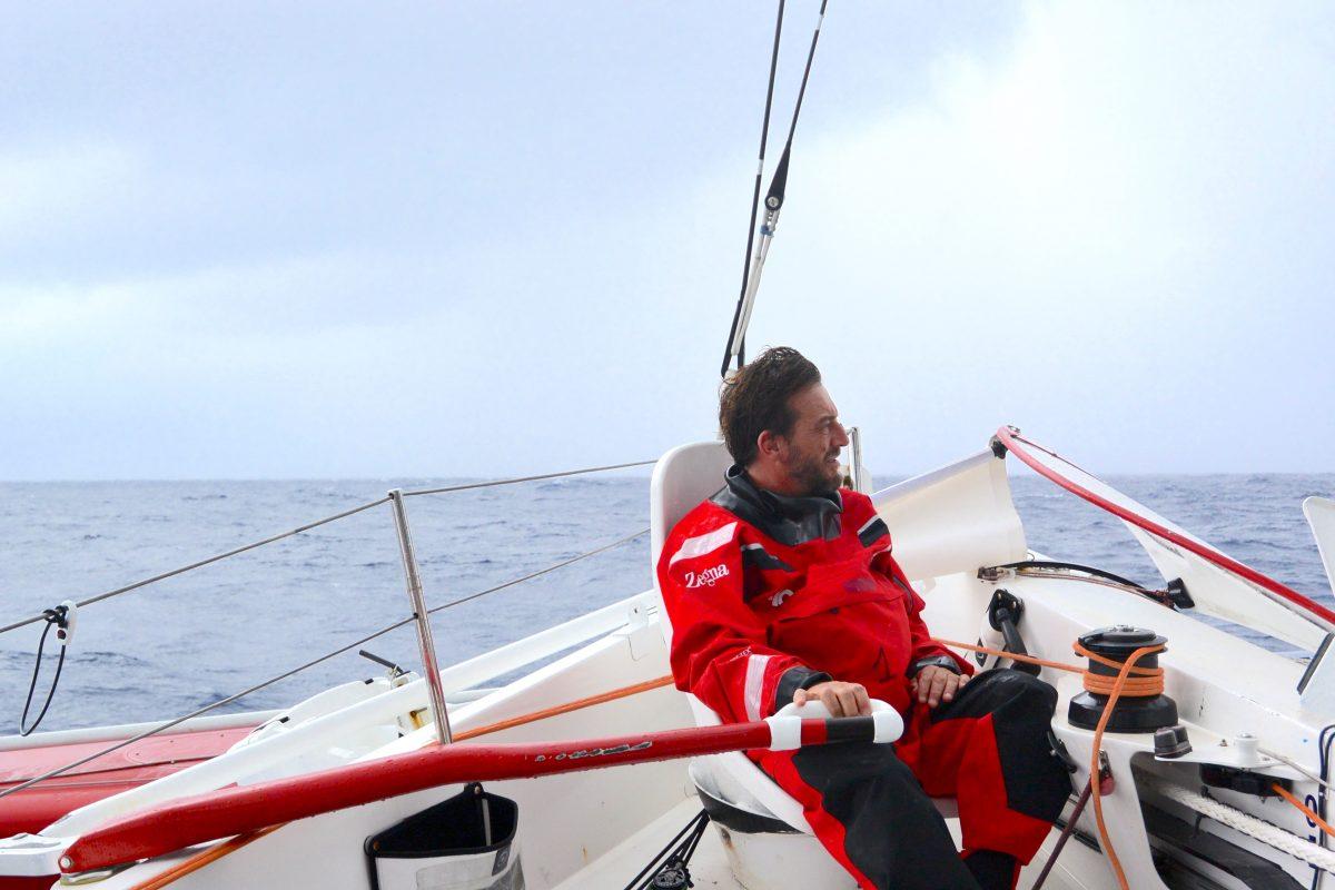 Giovanni Soldini naviga con 2000 miglia di vantaggio sul record