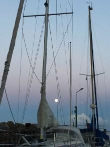 marina blau boats denmark lundeborg full moon dusk