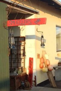 sejero old things door sign yellow denmark island boatingthebaltic.com