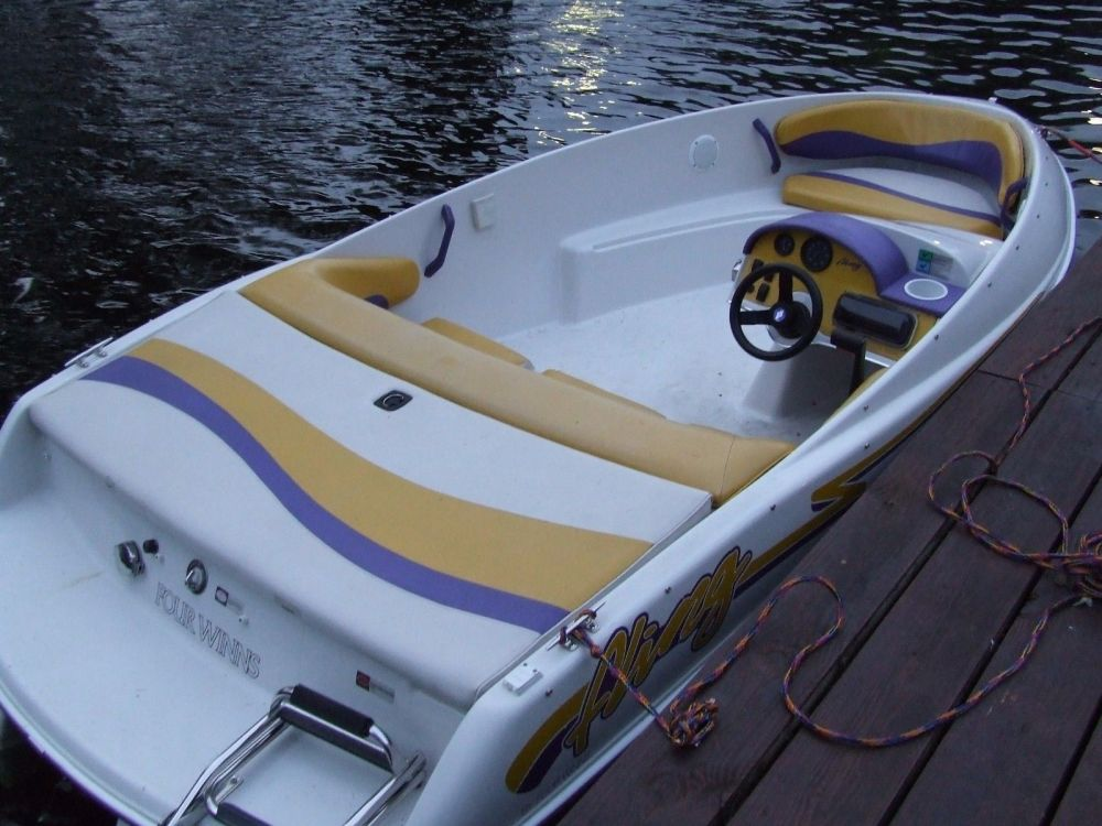 medium resolution of four winns fling jet boat 1994