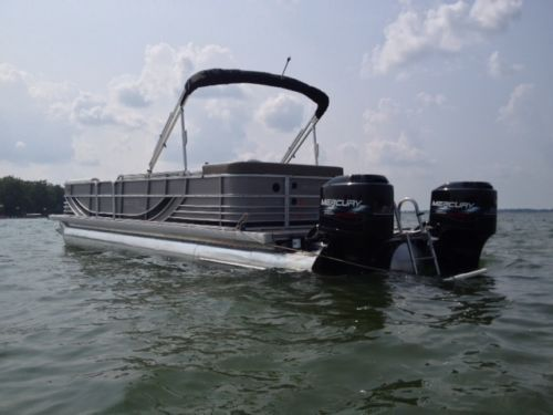 SOUTH BAY TRITOON PONTOON 927 CR TTD Twin Outboard 2010