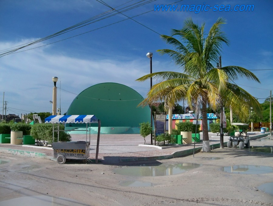 Holbox square