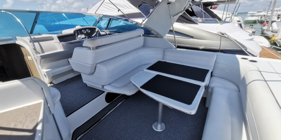 Formula yacht to rent