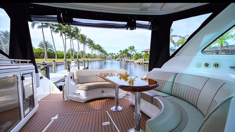Cruiser Yacht rental