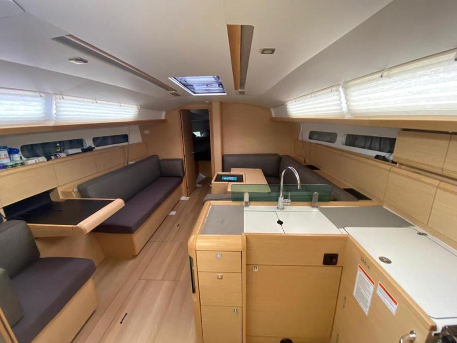 Sun Odyssey Jeanneau interior