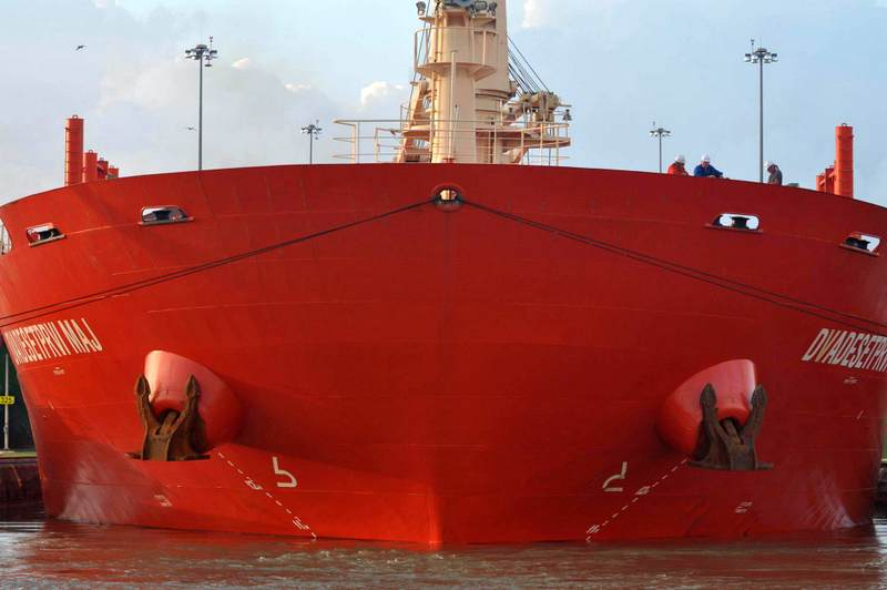 tanker in panama canal-001