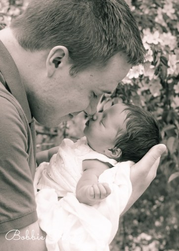 Newborn-baby-girl-family-dad-minneapolis-photographer