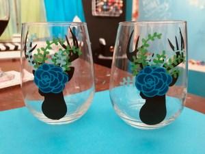 Deer Head and Flowers Wine Glass Set