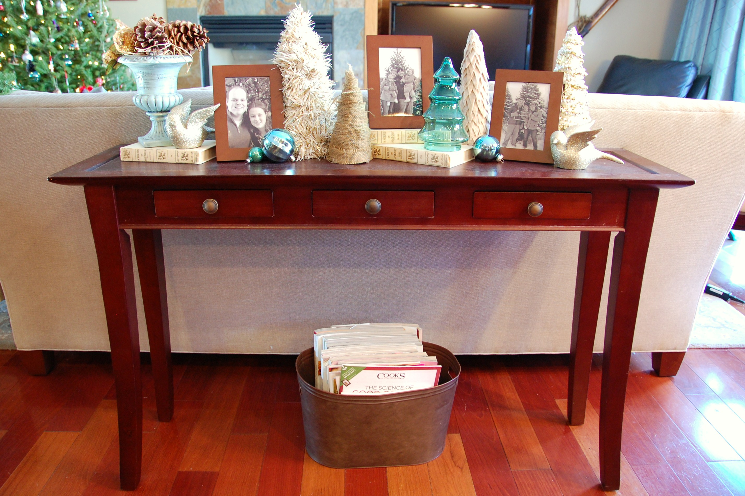 decorating a sofa console table james bed christmas ideas