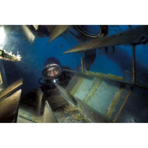 Andy Inspects Algae Growth Before Introduction of Baby AbalonePlatform Hope (Decommissioned) 45 feet