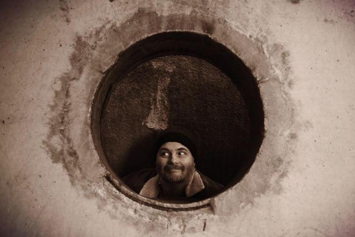 Bob in hole