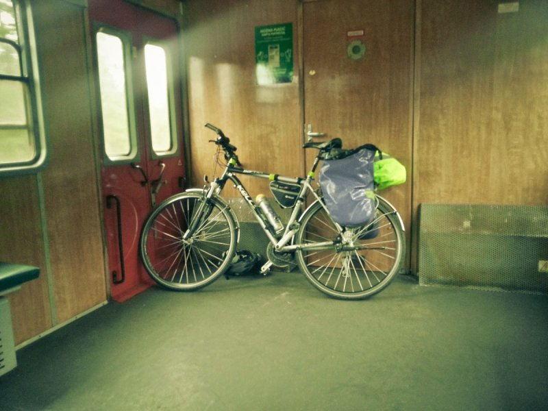 R10 - rowerem wpociągu