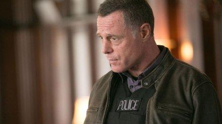 Chicago PD - Sierżant Voight toniewątpliwie silna osobowość, zdolna dopoświęceń, byratować bliskich imiasto; udany spin-off Chicago Fire.