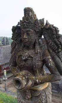 Lady-Goddess-Statue