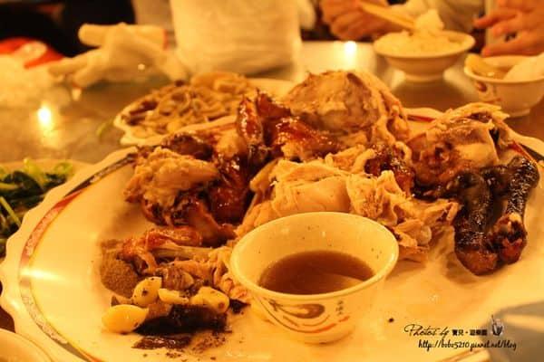 【宜蘭礁溪美食|甕窯雞】鮮嫩多汁的台灣古早味烤雞,礁溪烤雞街的正宗老店