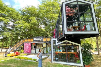 彰化帕司咖啡 玻璃貨櫃屋咖啡館,大草地寵物友善,下午茶野餐好去處
