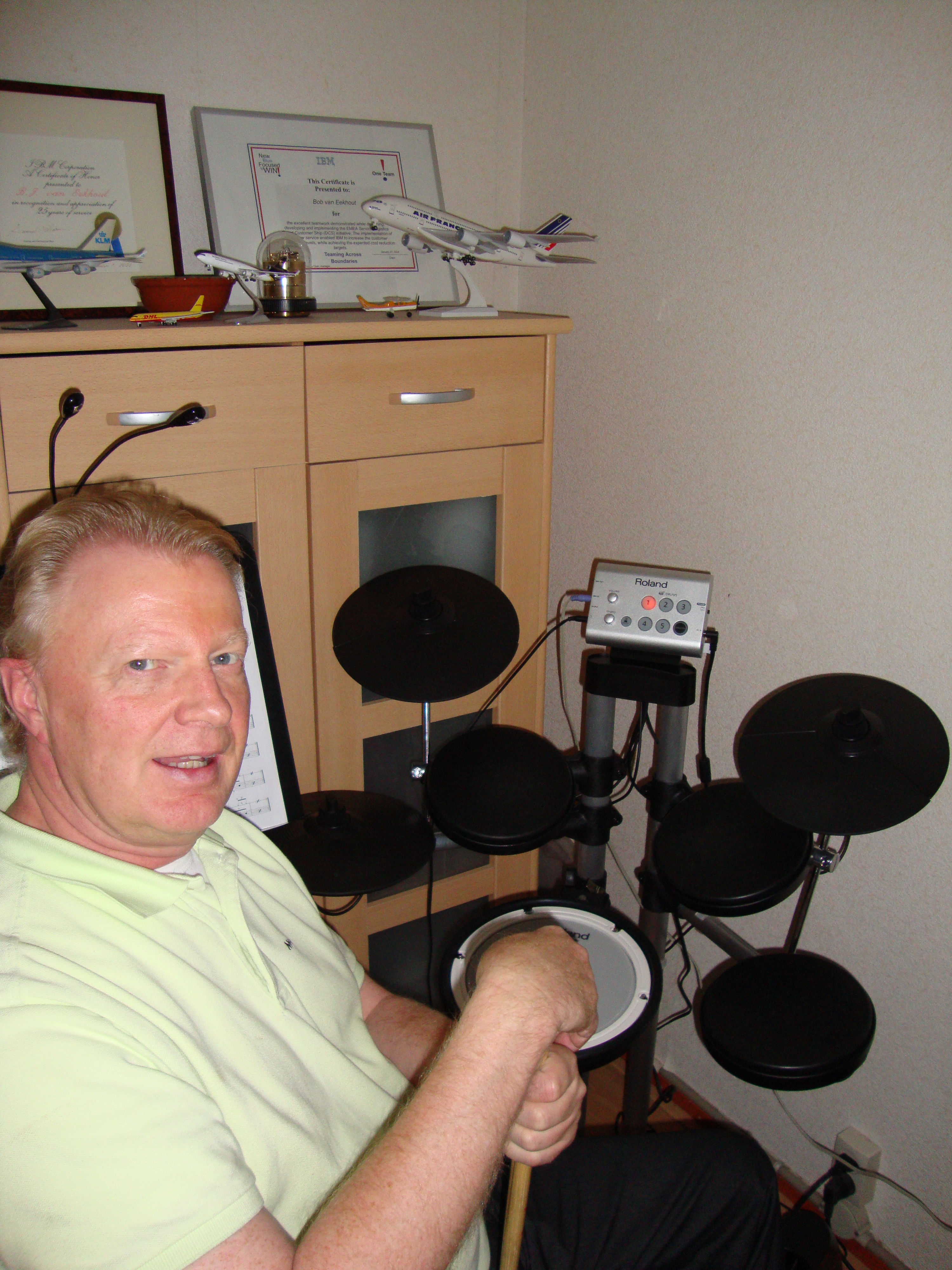 Bob met Roland HD 1