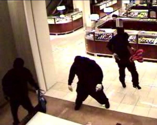 Robbery Saks Boca Raton