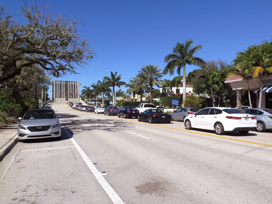 East Palmetto Park Road in front of proposed Chabad location.
