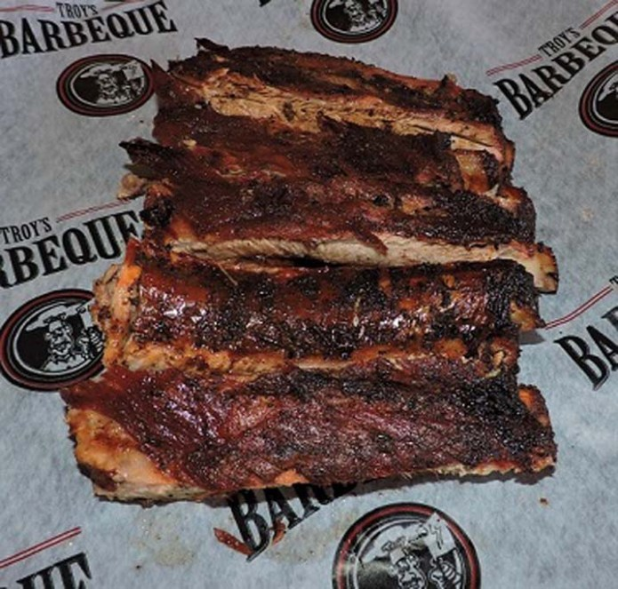 Troy's Bar-Be-Que Foodie Review