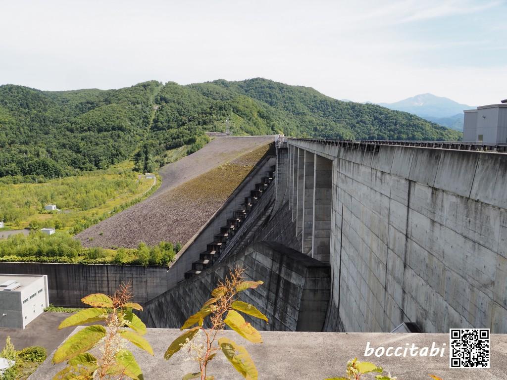 忠別ダム堤頂広場 忠別湖