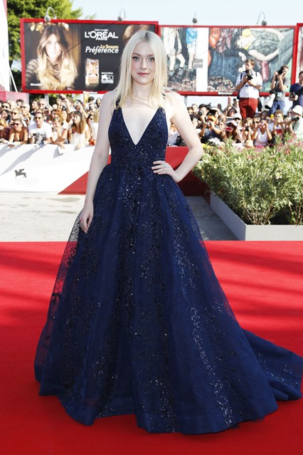 3 Dakota Fanning in Elie Saab