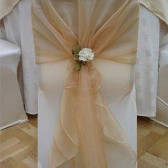 Christmas Folding Chair Covers White Plastic Dining Chairs 47 Ideas Para Decorar Y Vestir Sillas De Boda Sencillas Con Paso A