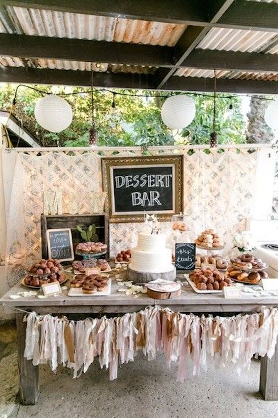 Paredes de Donuts Donut Bars y Tartas con Donuts en las Bodas