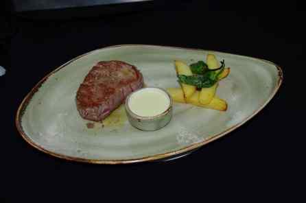 Solomillo de Ternera a la Salsa de Pimienta o Roquefort