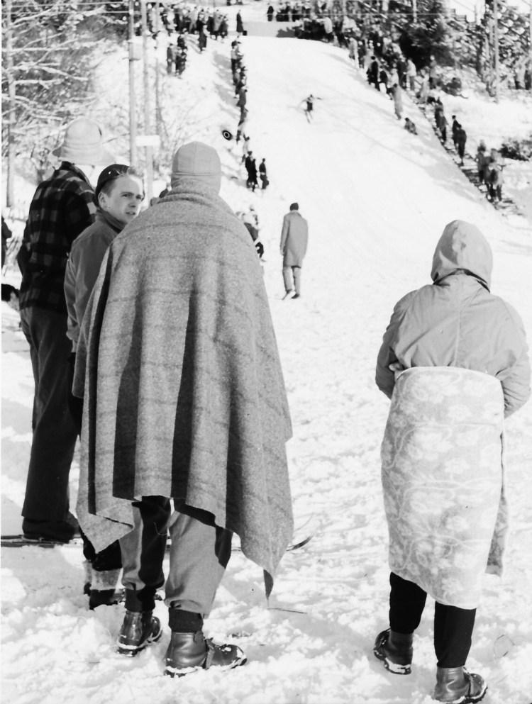 Fra lysgårdsbakken 1958