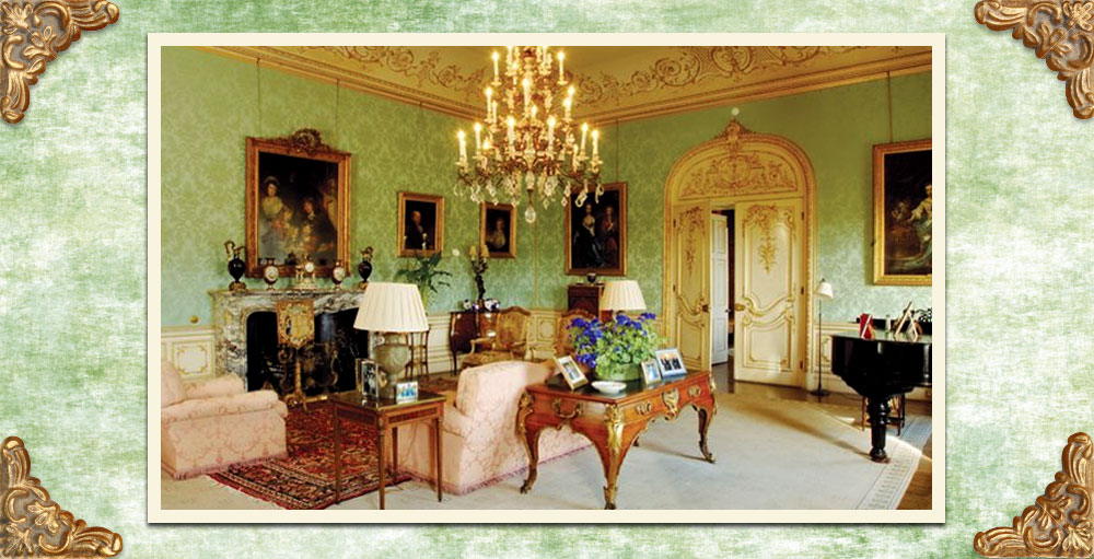 Downton-Abbey-Decor-Highclere-Castle-Drawing-Room