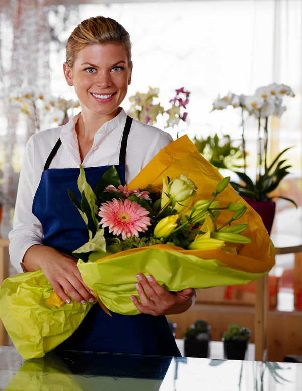 14 WAYS TO KEEP CUT FLOWERS FRESH FOR LONGER