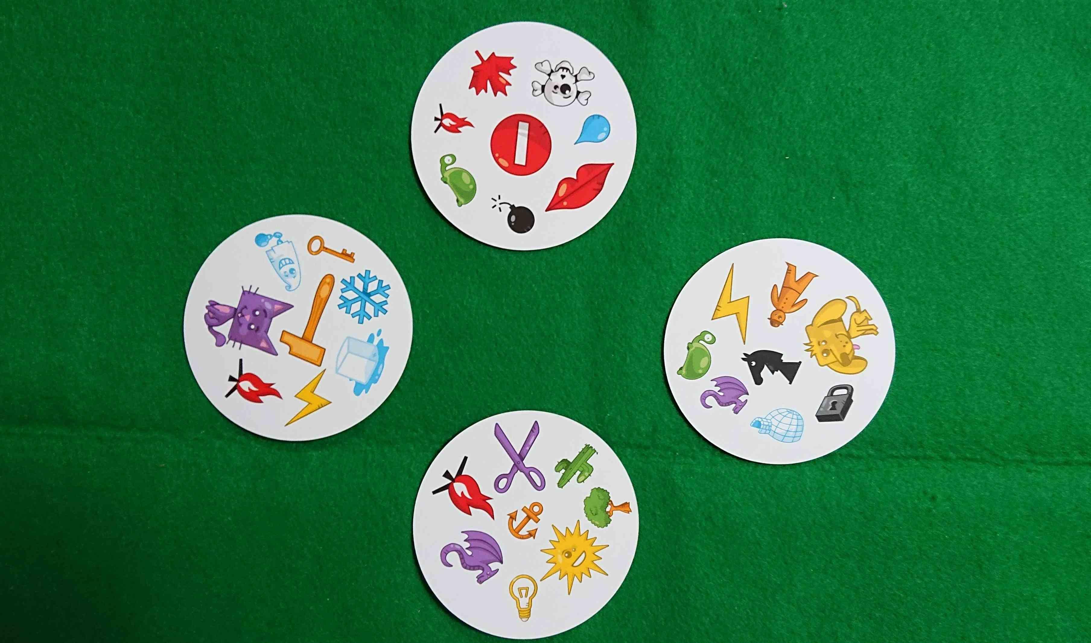 ドブル(DOBBLE) 反射神経型カードゲーム 同じ絵を探せ! 初心者・子供も楽しい! ルール説明 ボードゲーム
