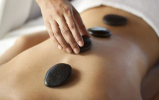 Five benefits of hot stone massage therapy