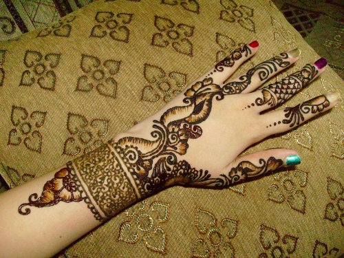 Full Simple Arabic Mehndi Designs For Left Hand