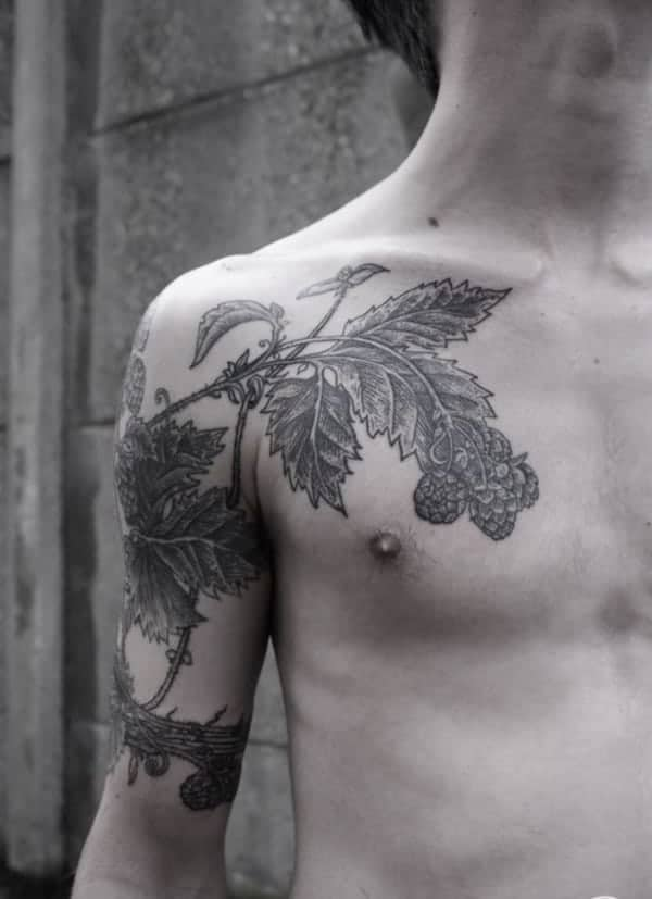 Oak Leaves Tattoos : leaves, tattoos, Amazing, Tattoo, Meanings