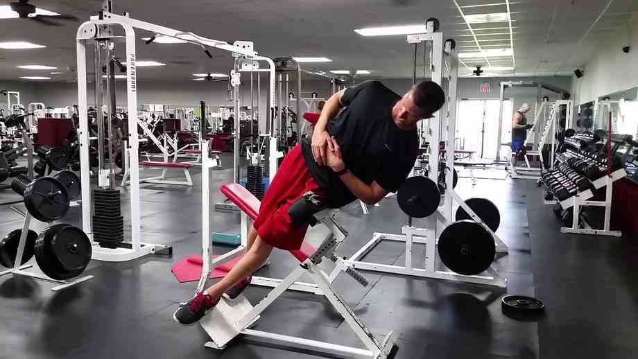 roman chair back extension muscles panton bachelor side bends on a hyperextension bench bodybuilding wizard