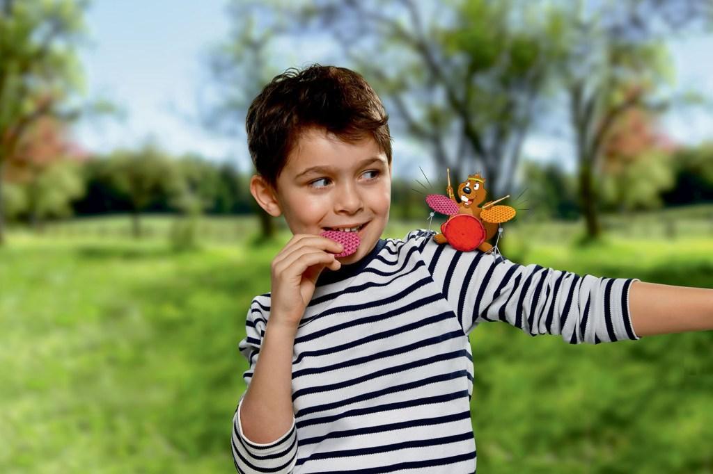 Knackige Snacks stehen bei Kindern hoch im Kurs. Gebackene Waffeln beinhalten dabei weniger Fett als herkömmlich frittierte Chips.