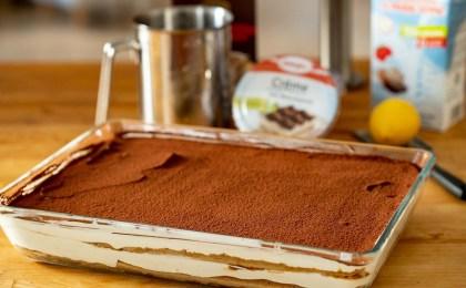Der italienische Dessertklassiker lässt sich mit der veganen Creme leicht und bekömmlich zubereiten.