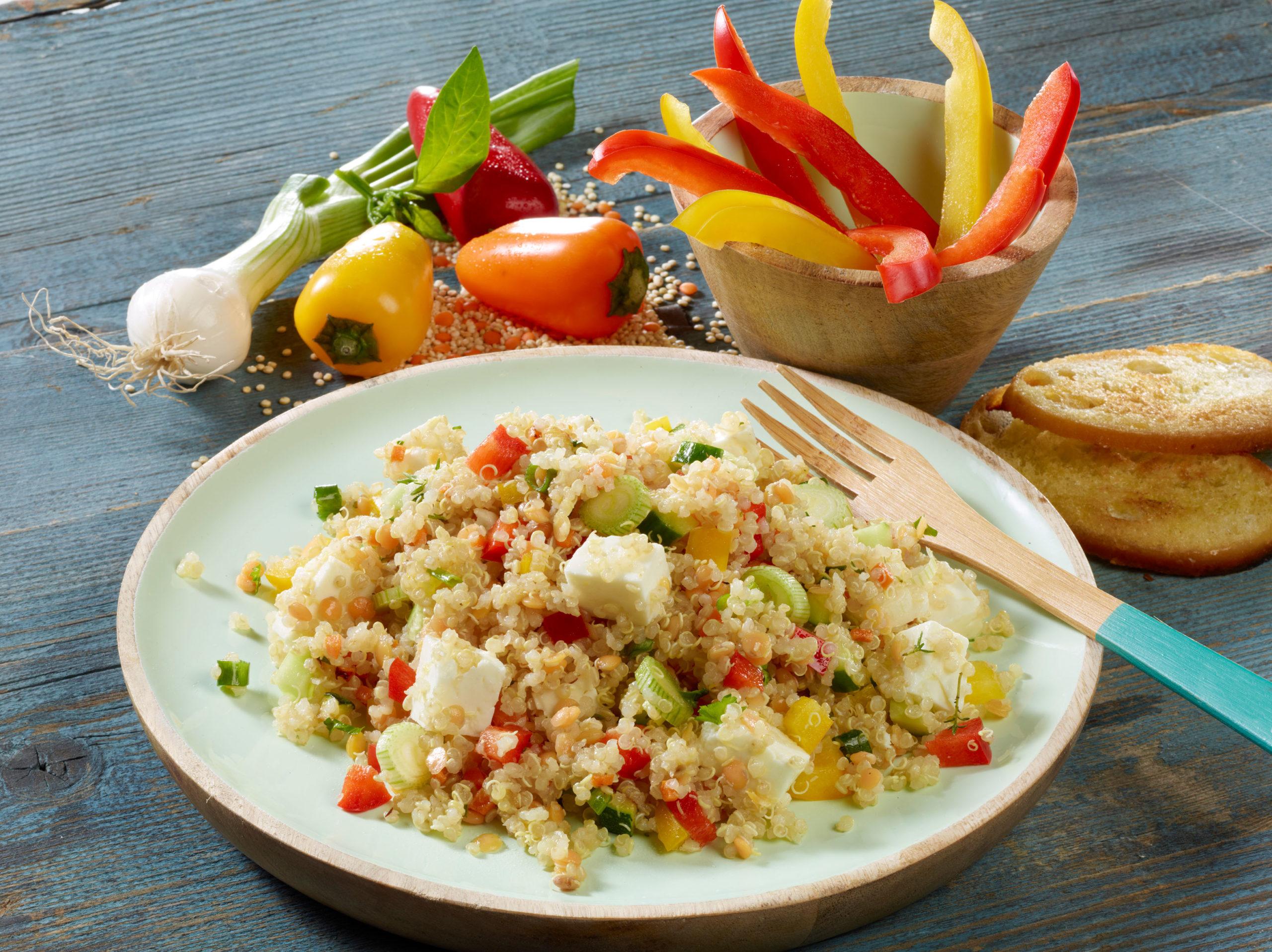 Frisches Gemüse im Quinoasalat