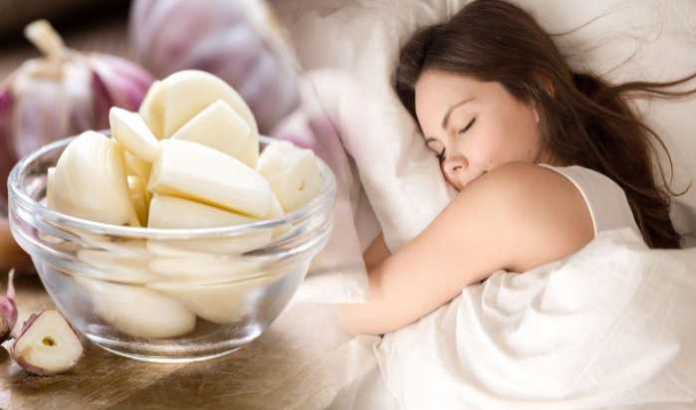 Put Garlic Under Your Pillow 1 Night, See If It Works for You