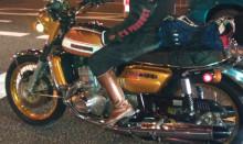 バイクも渋い。
