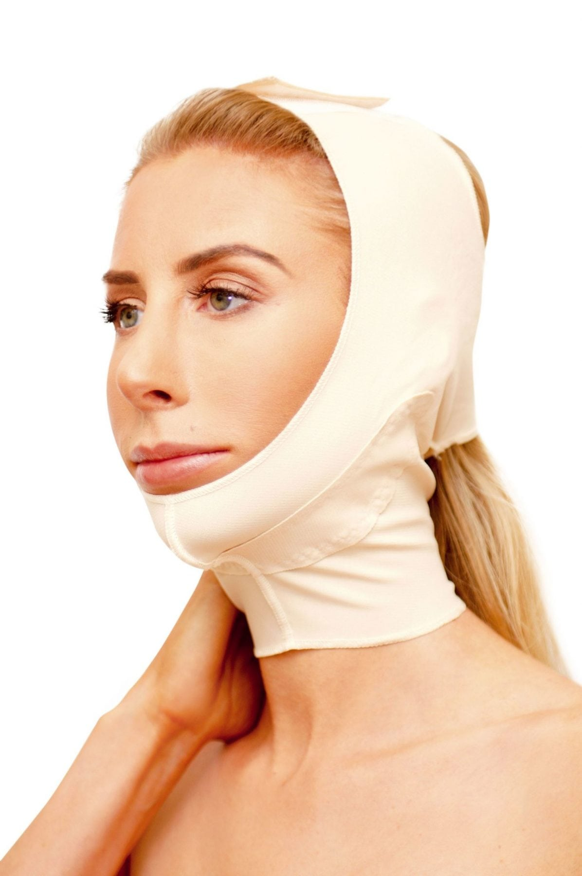Marena FM 300 Face Mask is a unisex facial compression garment. Ideal post-op for all facial surgeries including face lift, chin implants and facial liposuction.