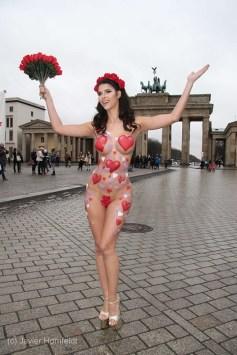 Bodypainting Micaela Schäfer Valentinstag 1