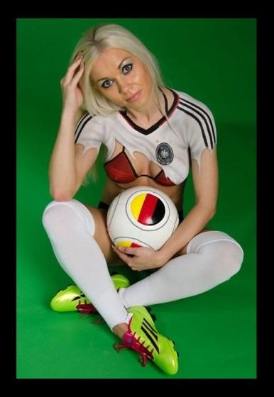 Fussball Bodypainting Fotoshooting Deutschlandtrikot