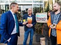 Vergeet-mij-nietjes voor actie tegen CETA