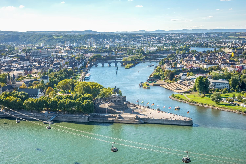 Over de Rijn Moezel en Saar naar Luxemburg  Feenstra