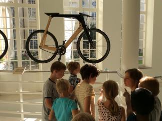 uitstap-designmuseum-biketothefuture-2016-09-12-11