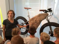 uitstap-designmuseum-biketothefuture-2016-09-12-45